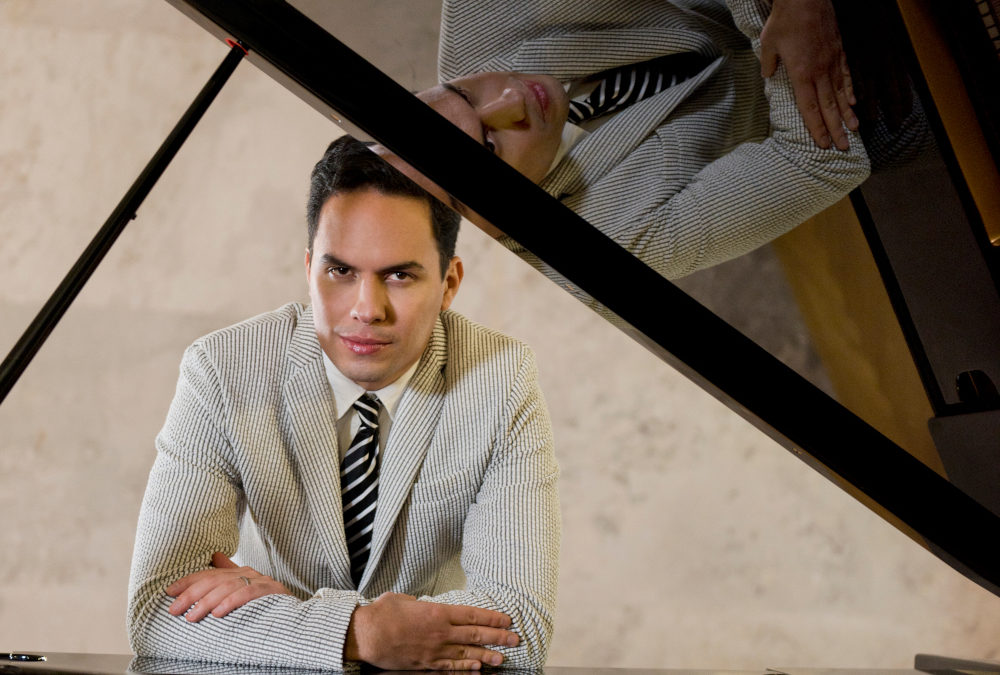 Francisco Leal, piano