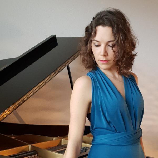 Myassa Leal, piano